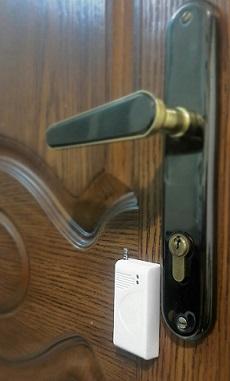 نصب سنسور لرزشی روی درب